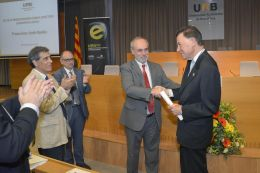 Francisco J. Ayala, investido doctor honoris causa por la UAB